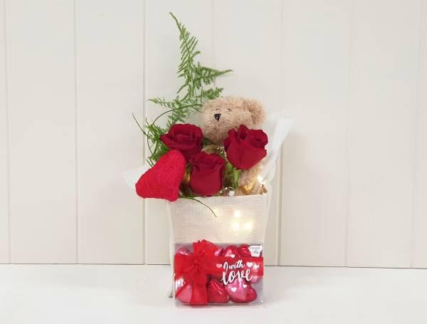 Valentines Box SMALL 600x400 2