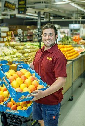 Charlie w mangoes 285x420